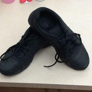 Shoes - SafeStep Women's sneaker (Black).